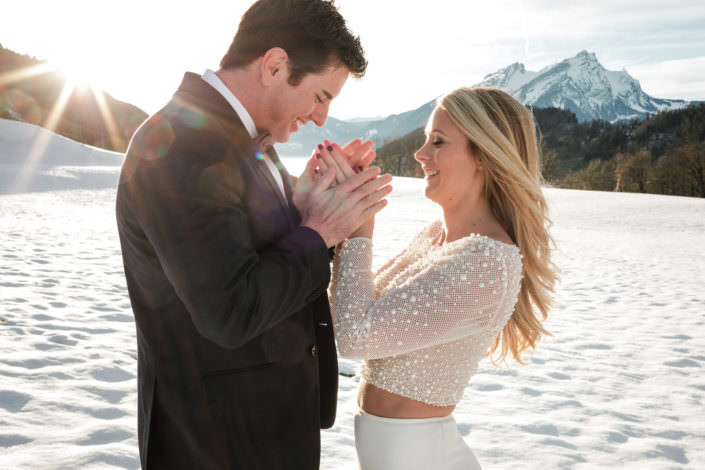 Hochzeit im Winter Schnee Hochzeitsfotograf Berge Schweiz