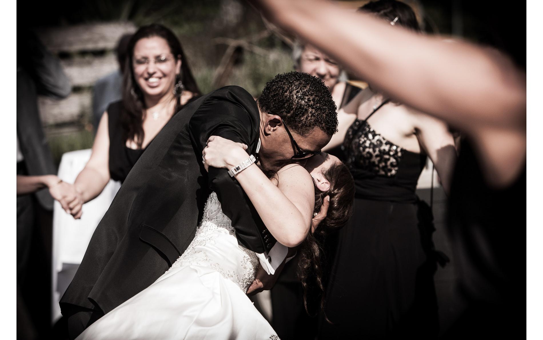 Hochzeitskuss Kiss the bride