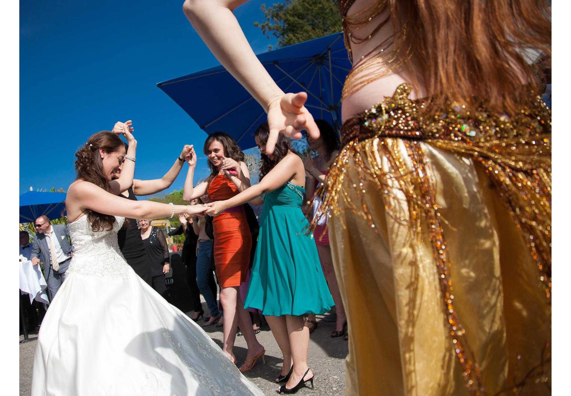 Hochzeit Bauchtanz mit Freunden feiern